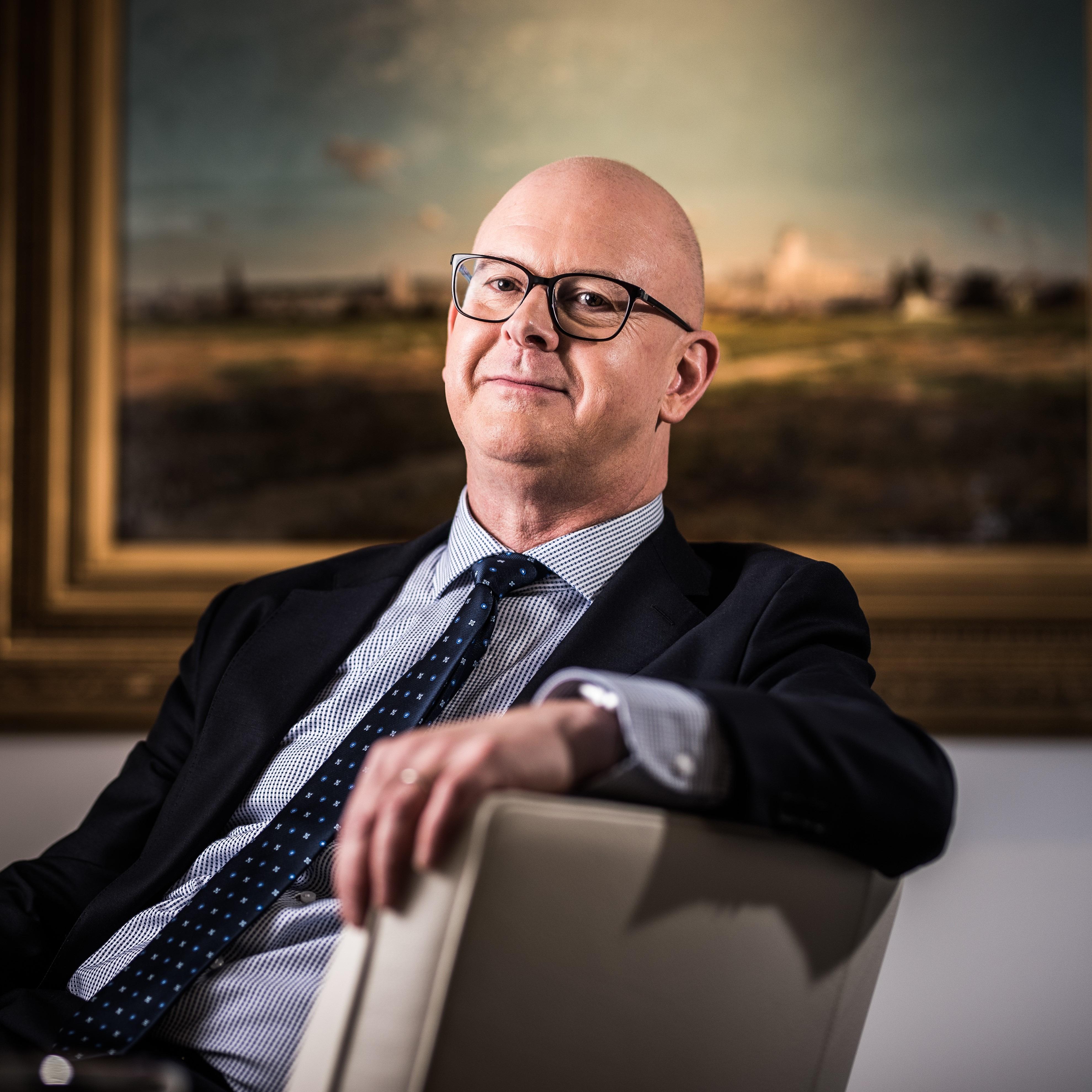 In deze eerste aflevering van 2020 gaat RECHTspreekt op bezoek bij Willy van Eeckhoutte, advocaat sinds 1975, em. prof. dr. aan de Universiteit Gent en een absolute autoriteit op het...