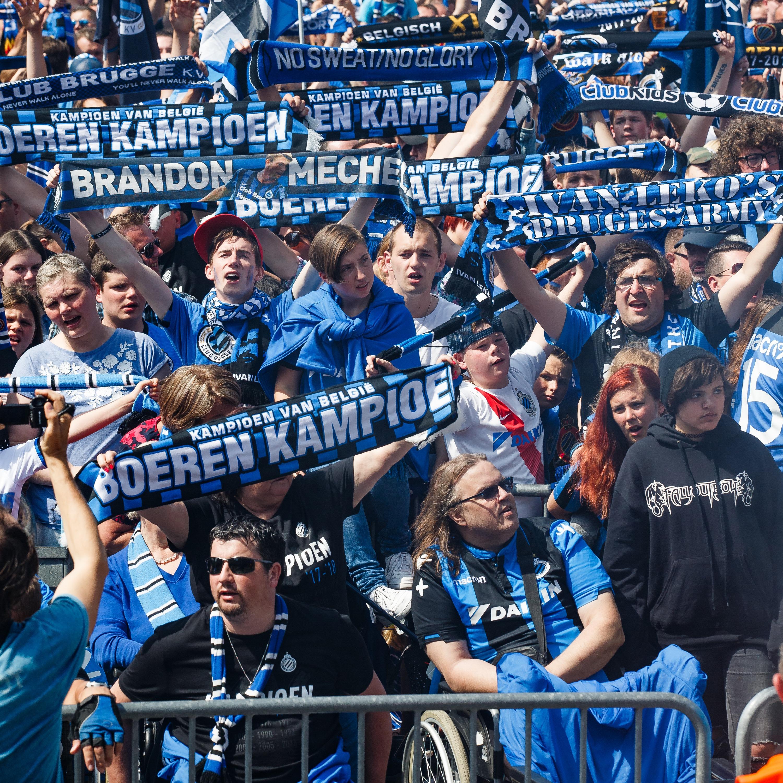 Tijdens een voetbalmatch tussen Anderlecht en Club Brugge werd op de tribune 'al wie niet springt is een Jood' en 'alle Joden zijn homo's' gescandeerd. Die laatste slogan is volgens...